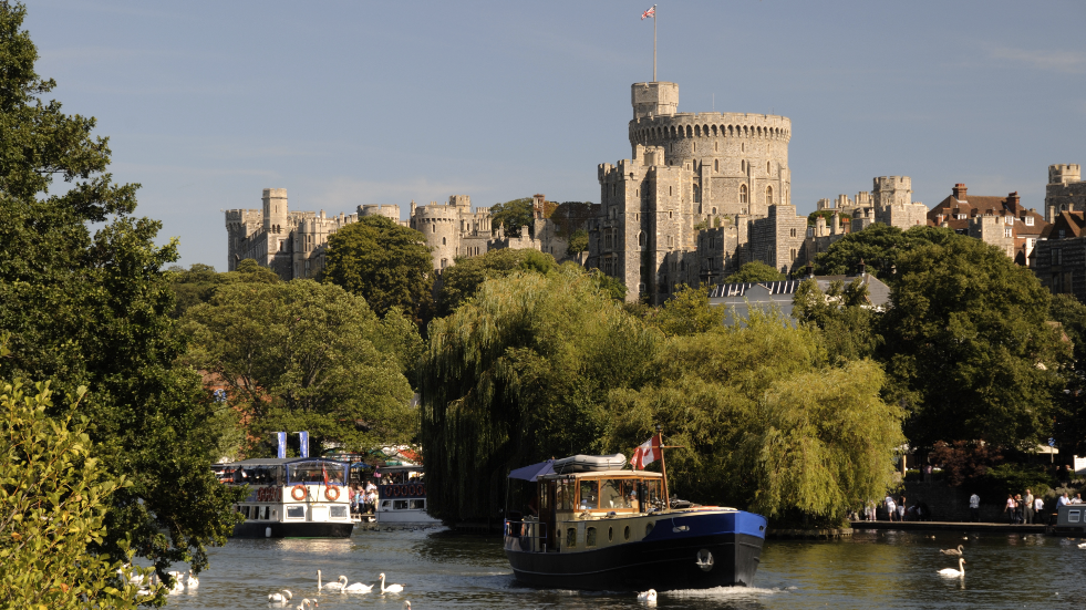 Thames river trip Windsor Castle